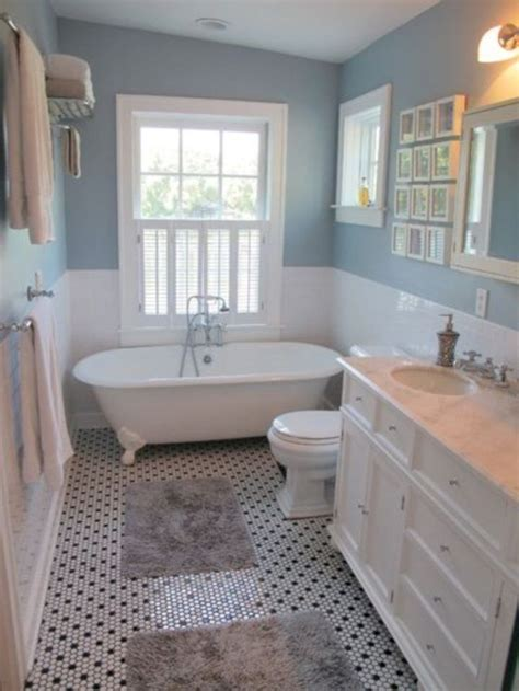 Decorating Ideas For A Small Country Bathroom by Best 25 Small Country Bathrooms Ideas On