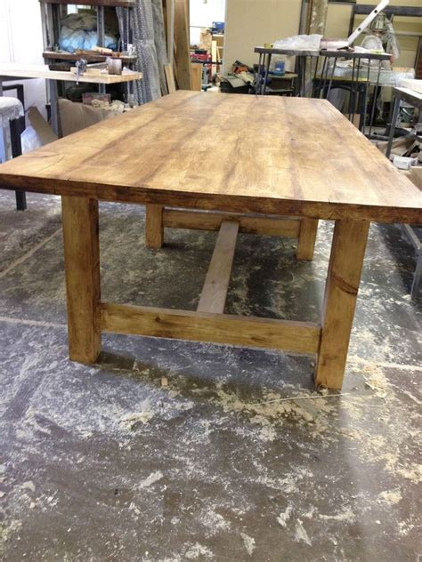 details  traditional country farmhouse rustic table