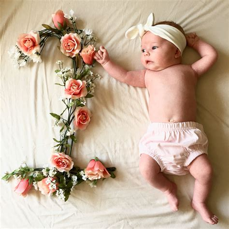 monthly baby pictures flowers monthly baby  baby