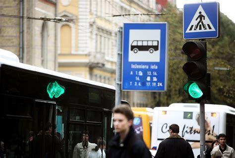 «Rīgas satiksme» vēl joprojām nav nomainījusi vecās ...