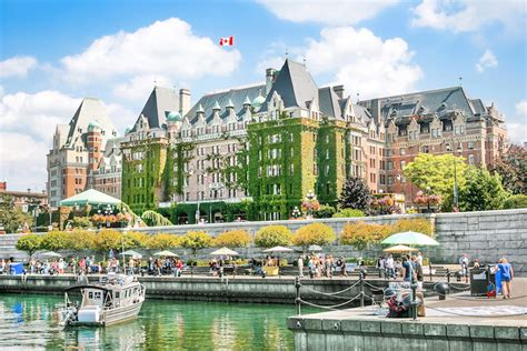 10 Top Tourist Attractions In Canada With Photos And Map