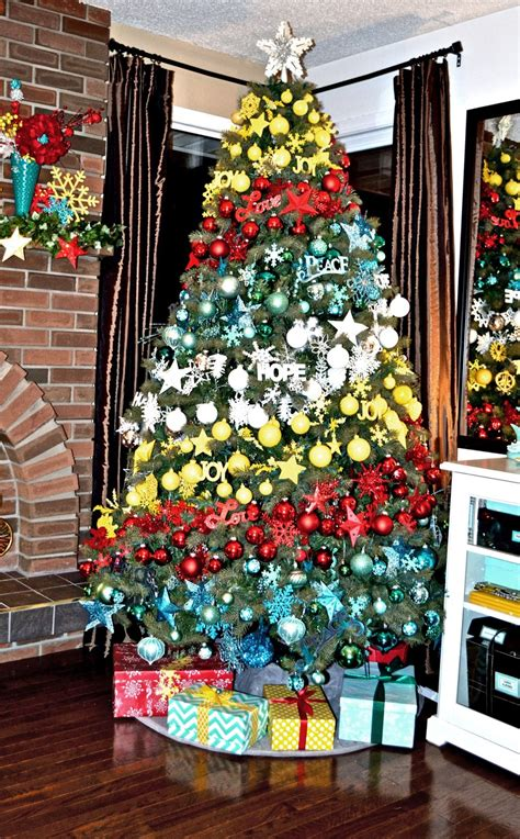 fun fabrication unique christmas tree   budget