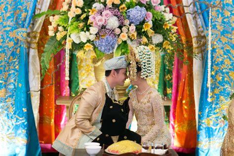 pesona adat minang  banjar  pernikahan keshia  zumi