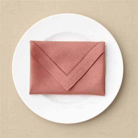 napkin fold envelope napkin fold martha stewart weddings
