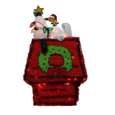 pre lit peanuts   snoopy  dog house  star