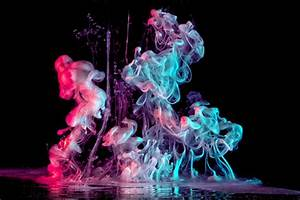 Explosions of color and liquid shot by macro photographer