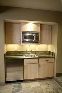 une petite cuisine amenagee dans un recoin du sejour With meuble cuisine petit espace 11 amenagement dune cuisine deco avec une kitchenette