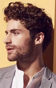 Coiffure Homme Cheveux Bouclés : 1001 ideas de cortes de pelo rizado hombre en bonitas ~ Melissatoandfro.com Idées de Décoration