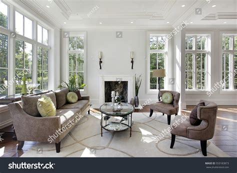 Luxusvilla Innen Wohnzimmer by Living Room Luxury Home Fireplace Stock Photo 553183873