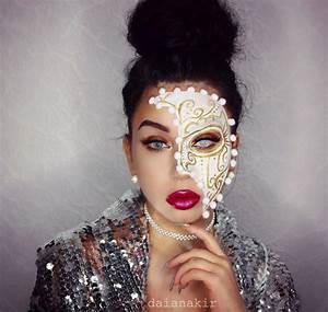 How to Do a Halloween masquerade mask makeup look