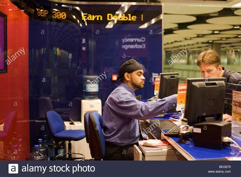 bureau de change 5 bureau stockfotos bureau bilder alamy