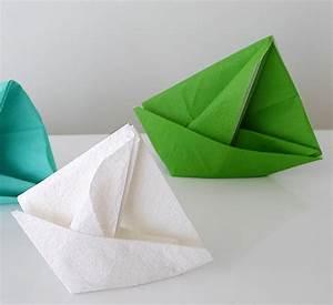 Pliage En Papier : pliage de serviette de table en forme de bateau de voilier ~ Melissatoandfro.com Idées de Décoration