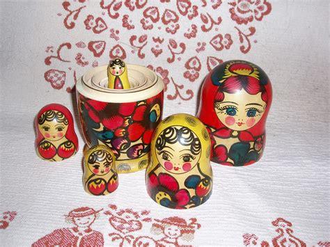 russische puppen ineinander matrjoschka