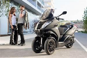 Scooter 3 Roues 125 : tout savoir sur ces maxi scooters trois roues l5e conduisibles avec un simple permis b auto ~ Medecine-chirurgie-esthetiques.com Avis de Voitures