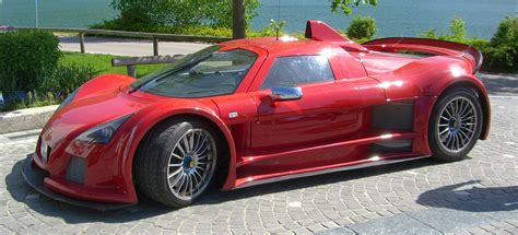 15 Fastest Cars In The World That'll Make You Skip A Heartbeat