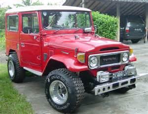 Old Toyota Land Cruiser
