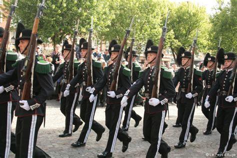 au bureau la garde lisieux la foule au concert de la garde du roi de norv 232 ge 171 article 171 le pays d auge