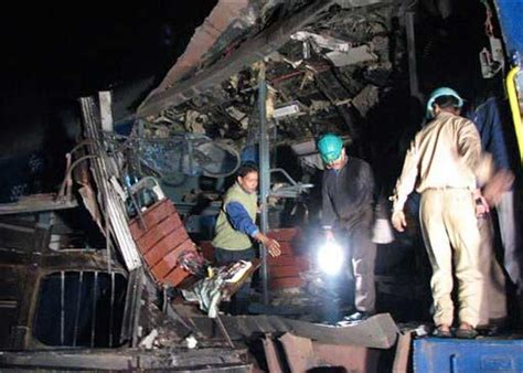 train explosion  india photo  pictures cbs news