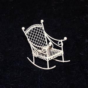 Gartenmöbel Weiß Metall : mini garten schaukelstuhl wei minigarten deko miniatur gartenm bel metall selfkant ~ Frokenaadalensverden.com Haus und Dekorationen