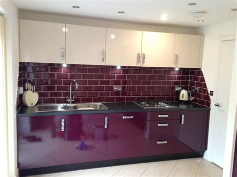 aubergine kitchen tiles metro aubergine tiles from www tonsoftiles co uk kitchen 1386