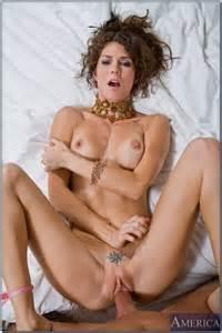 Skinny Babe Jenni Lee Teasing In The Tub MILF Fox