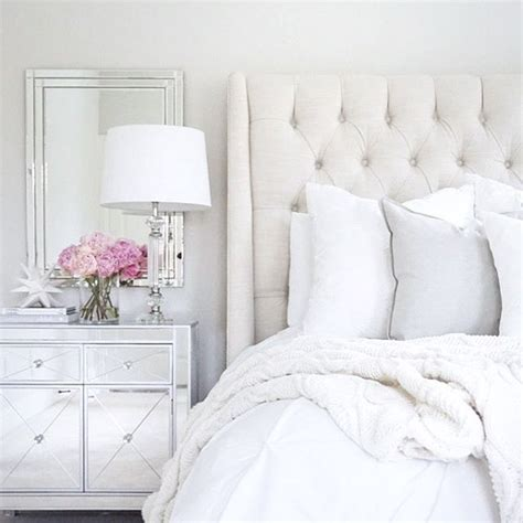 Bed With White Nightstands by 25 Best Ideas About Mirrored Nightstand On