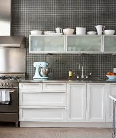 White Cabinets With Backsplash by 15 Kitchens With Stainless Steel Countertops
