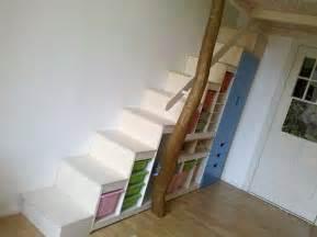 hochbett mit treppe die 25 besten ideen zu hochbett bauen auf mezzanine bett loft betten und hochbett