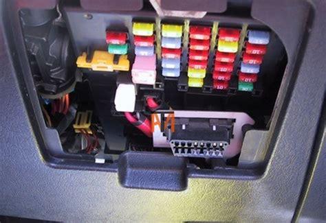 mechanic hyundai diagnostic socket location