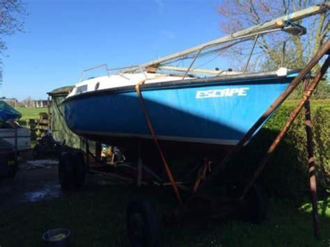 Kajuitzeilboot Te Koop Opknapper by Leuke Complete Kajuitzeilboot Met Trailer Opknapper