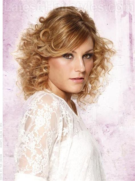 Short Curly Hairstyles Glamorous &Short Curly