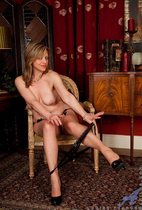 lovely milf louise pearce get undress busty vixen