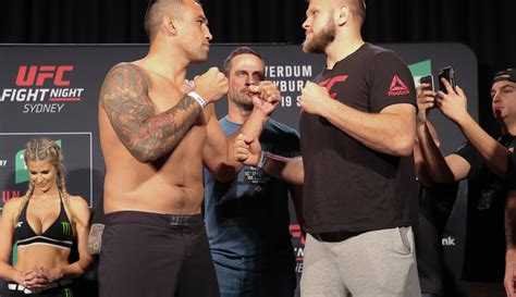 UFC Fight Night 121 play-by-play and live results