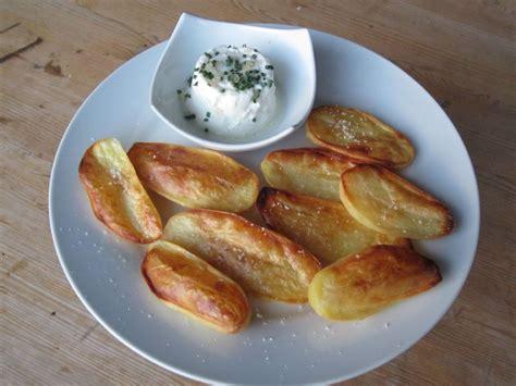 Feuilleté Pomme De Terre Fromage by Pommes De Terre Souffl 233 Es Sauce Au Fromage Blanc Mes