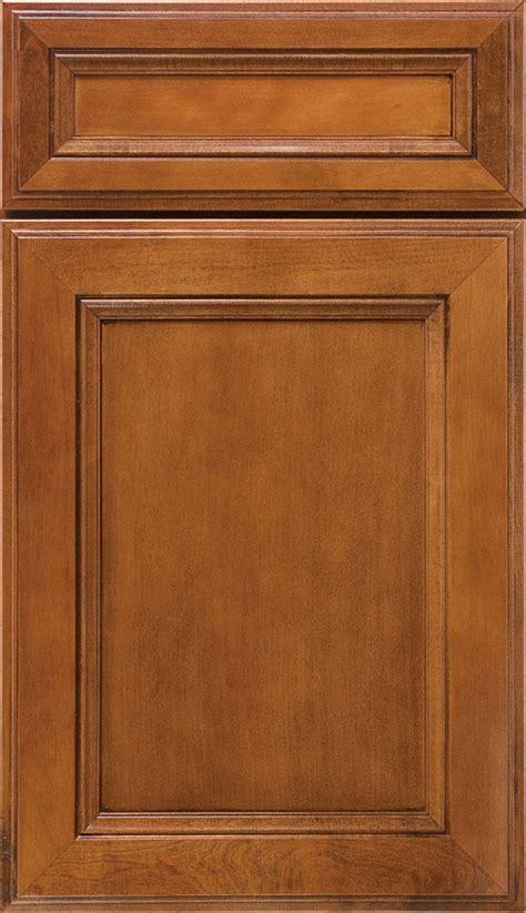 kitchen cabinet door finishes saddle maple cabinet finish aristokraft cabinetry 5274