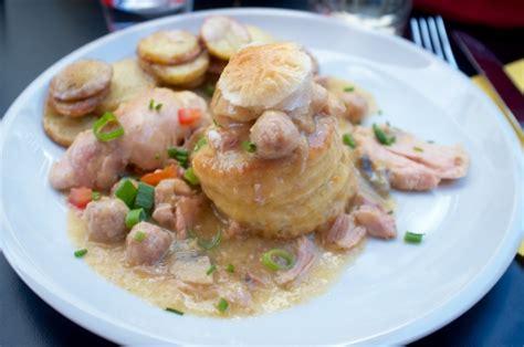 cuisiniste belge cuisine belge table basse relevable