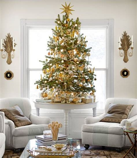 Perfect for summer, winter, spring and fall!. 60 Elegant Christmas Country Living Room Decor Ideas ...