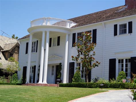 colonial style homes  characteristics