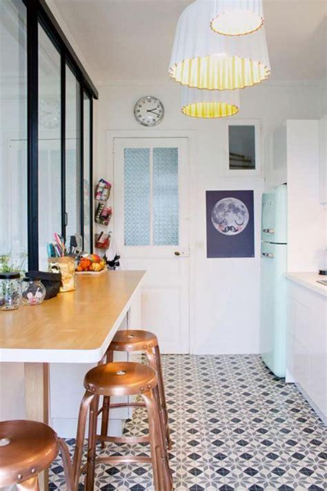 cuisine vitr馥 atelier découvrez nos 84 jolies propositions pour cuisine avec bar archzine fr