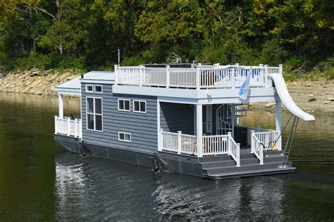 Houseboat Size by Tiny Boat Harbor Cottage Houseboats