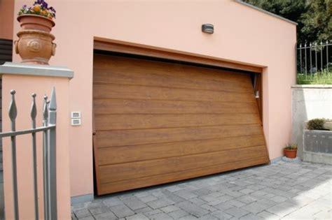 Portoni Sezionali Per Garage by Portoni E Porte Basculanti Per Garage Richiedi Prezzo O