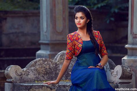 Keerthy Suresh To Play Savitri In Biopic