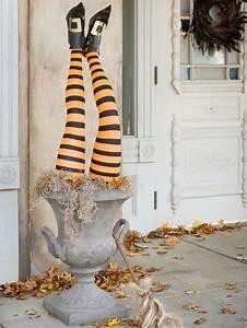 Halloween Deko Außen : au endeko selber machen halloween party hexenbeine ~ Jslefanu.com Haus und Dekorationen