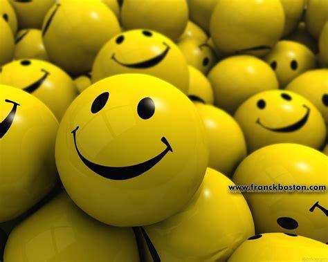 pc bureau avec ecran fond ecran smiley 25280 wallpaper gratuit