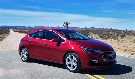 Chevy Cruze Review by Chevrolet Forum Review Cruze Hatchback Aims To Impress