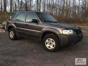 2002 Ford Escape  4 Cylinder Engine  5 Speed