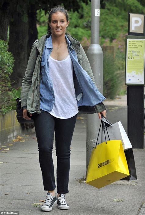 Smiles better: Laura Robson turns to retail therapy after