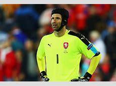 Petr Cech Czech Republic goalkeeper retires from