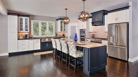Open Floor Plan Kitchen Design Photos   CliqStudios