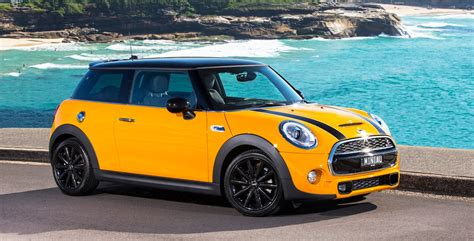 2014 Mini Cooper pricing and specifications - Photos (1 of 14)